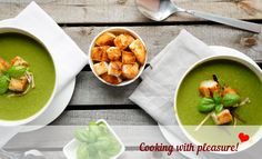 Pea cream soup with leek and croutons