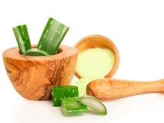 Aloe is the go-to natural treatment for sunburn or any burn or other skin ailment that needs soothing. #healthyskin https://t.co/Yu17EZWDwm
