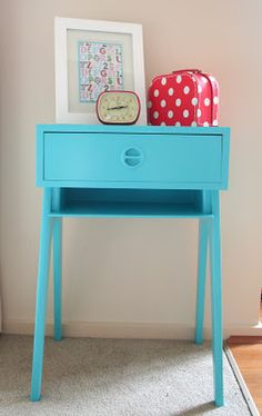 Retro Telephone table makeover