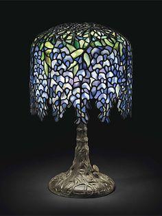 A PONY WISTERIA TABLE LAMP, CIRCA 1910