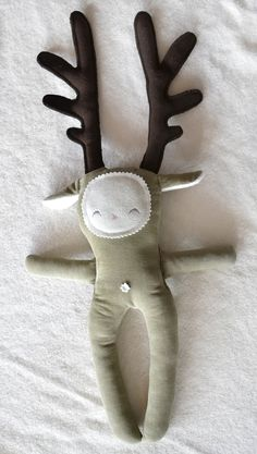 CHRISTMAS IDEA - diy oobee reindeer kit: make your own sweet festive soft toy in cotton corduroy and wool felt. via etsy. Cute idea for those who can sew :-) Sewing Toys, Sewing Crafts, Craft Projects, Sewing Projects, Crazy Toys, Diy Couture, Doll Toys, Children's Toys, Soft Dolls
