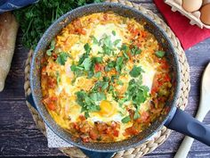 Media player poster frame The post Chakchouka appeared first on Tasty Recipes. Dinner Dishes, Main Dishes, Healthy Dinner Recipes, Vegan Recipes, Gluten Free Gnocchi, Sweet Potato Gnocchi, Egg Dish, How To Cook Eggs, I Foods