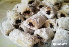 Hókifli is a traditional Hungarian dessert. It is generally made around Christmas but it is popular all year. Hungarian Desserts, Doughnut, Sushi, Mac, Vegetarian, Sweets, Vegan, Traditional, Cookies