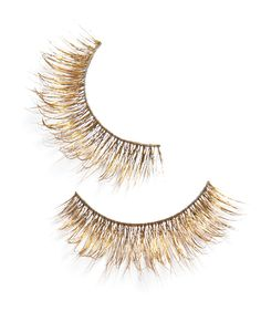 8 Holiday Beauty Hacks Every Woman Should Know Never been fond of the concept of false eye lashes, but this might be fun for a glitzy holiday party. Gild Your Lashes from Beauty Hacks Every Woman Should Know, Makeup Brushes, Eye Makeup, Beauty Makeup, Makeup Tips, Makeup Hacks, Beauty Hacks For Teens, Skin Tag, Diy Beauty