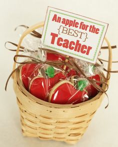School cookies-great for Teacher Appreciation Week, May Teacher Treats, Teacher Gifts, Apple Cookies, Sugar Cookies, Apple Cupcakes, Cake Cookies, Cookie Baskets, Cookie Packaging, Packaging Ideas