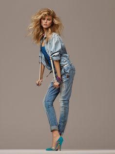 Maryna Linchuk portant une chemise en jean et un jean skinny , photographiée par Giampaolo Sgura pour la série Bling & Jean du numéro de février 2010 de Vogue Paris. http://www.vogue.fr/mode/inspirations/diaporama/le-jean-dans-vogue-paris/12934/image/748347#!maryna-linchuk-portant-une-chemise-en-jean-et-un-jean-skinny-photographiee-par-giampaolo-sgura-pour-la-serie-bling-amp-jean-du-numero-de-fevrier-2010-de-vogue-paris
