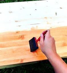 Peindre un meuble en bois avec de la peinture à la craie   Colorantic Lolo, Decor, Art, Chalk Painting, Old Furniture Painted, Glass Garden, How To Paint, Art Background, Decoration