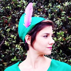 Peter Pan Hat, felt and feather, so easy it takes less than 15 minutes! Find out how to make this felt hat and the rest of this great Halloween Costume on itsaLisa.com