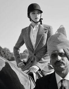 Vittoria Ceretti for the Vogue Paris May 2017 issue, photographed by Mario Testino and styled by Anastasia Barbieri Mario Testino, Horse Fashion, Uk Fashion, Vogue Paris, Vanity Fair, Magazine Vogue, Elle Us, Le Polo, Maria Grazia