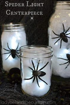 Learn the Step by step tutorial of over of top-rated DIY Halloween Decoration Ideas right here. Make your Halloween creepily stunning with these decor Décoration Table Halloween, Halloween Table Centerpieces, Lighted Centerpieces, Halloween Lanterns, Easy Halloween Decorations, Cheap Halloween, Homemade Halloween, Halloween Birthday, Halloween Party Decor