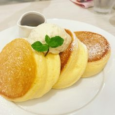Make these amazing from-scratch pancakes for your family! Egg Souffle, Souffle Pancakes, Pancakes Easy, Ihop Pancakes, Homemade Pancakes, Japanese Fluffy Pancakes, Easy Japanese Pancake Recipe, Souffle Recipes, Recipes