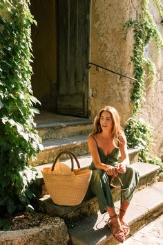 Linen Pieces For An Easy Summer Look - Sommer , Gal Meets Glam, Model Tips, Style Outfits, Dressy Outfits, Fashion Outfits, Looks Chic, Foto Pose, Fall Weather, Mode Inspiration