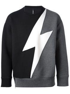 Neil Barrett flash sweatshirt Source by zingsweaters Kids Dress Wear, Mode Jeans, Future Clothes, Mens Sweatshirts, Boy Outfits, Shirt Designs, Men Casual, Menswear, Neil Barrett