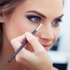 O Maquiadora de Sucesso é um curso online completo e comprovado que já capacitou centenas de alunas. Dentro de aproximadamente 5 semanas a aluna ao concluir ...