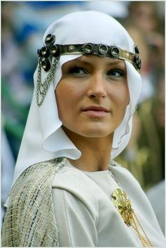 Lithuania World Ethnic & Cultural Beauties Beautiful World, Beautiful People, Beauty Around The World, Folk Costume, Interesting Faces, Lithuania, World Cultures, People Around The World, Traditional Dresses