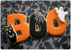 Festively fun Halloween Boo Cookies. #boo #ghost #owl #black #orange #white #spider_web #cookies #decorated #food #baking #dessert #cute #Halloween