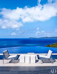 At the St. John, U. Virgin Islands, vacation compound of interior designers Randy Kemper and Tony Ingrao, chairs by Richard Schultz for Knoll join Nucleo tables beside the infinity pool, which is lined in Sicis tile. Infinity Pools, Indoor Outdoor Living, Outdoor Spaces, Outdoor Decor, Swimming Pool Designs, Swimming Pools, Porches, Palazzo, Manhattan