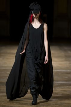 Yohji Yamamoto Spring 2016 Ready-to-Wear Collection Photos - Vogue