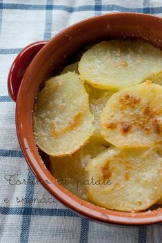 Mon petit bistrot: Tortino di patate e spinaci Cornbread, Side Dishes, Pudding, Vegetables, Ethnic Recipes, Desserts, Tortillas, Food, Drink