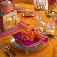 Indian wedding table orange and pink Indian Wedding Decorations, Wedding Themes, Wedding Designs, Wedding Colors, Indian Decoration, Wedding Ideas, Wedding Events, Wedding Details, Wedding Inspiration