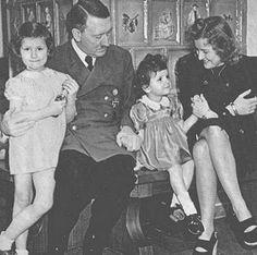 Munich agreement wikipedia the free encyclopedia ww ii 1939 fuhrer adolf hitler eva braun hitler the national socialists kids platinumwayz