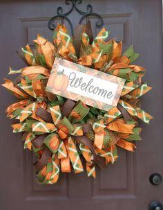 Thanksgiving Crafts For Kids, Thanksgiving Wreaths, Crafts For Kids To Make, Thanksgiving Decorations, Christmas Wreaths, Elegant Fall Wreaths, Autumn Wreaths, Wreath Fall, Deco Mesh Garland