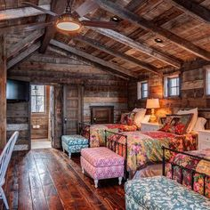 Rustic Bunk House Design Ideas, Pictures, Remodel and Decor Log Cabin Homes, Log Cabins, Cabin Loft, Rustic Cabins, Cozy Cabin, Cabin Interiors, Cabins And Cottages, My Dream Home, Home Interior Design