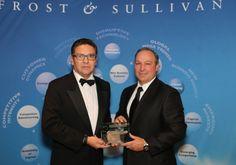 Avaya es reconocida por su liderazgo en soluciones para la mediana empresa