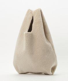 Handbags, How To Wear, Fashion, Leather Wallets, Sheep, Bags, Moda, Totes, Fashion Styles