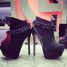 Colavelli Designer Shoes - HeelsFans.com