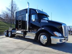 Our Featured Truck Is A New 2018 Kenworth T680 76 Sleeper