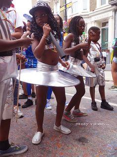 ¡La soca no te deja parar, hasta que el cuerpo aguante! #Molyvade...#viaje #London #Carnaval #NottingHill molyvade.blogspot.com