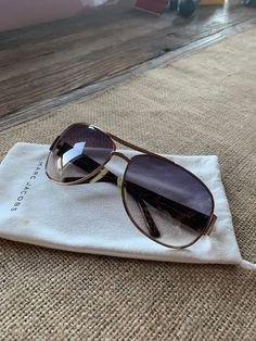 ab763b04736a These are pre-owned Marc Jacobs sunglasses in good condition with only  minor blemishes