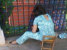 Projeto Galeria Noturna - Goiânia Goiás Brasil - Avenida Goiás ( Porta do comércio Ponto Da Moda - ao lado da agência da Caixa Econômica Federal, próximo ao relógio. )  Patricia Benevides Fontinelli.