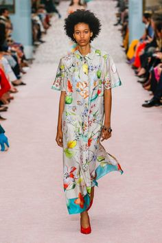 Carolina Herrera Spring 2019 Ready-to-Wear collection db3652cb2822d