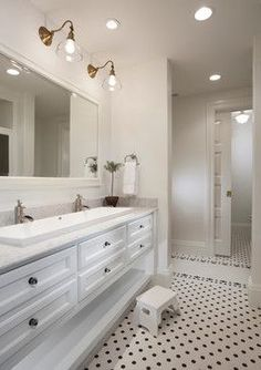 Jack N Jill Bathroom Design Ideas, Pictures, Remodel and Decor