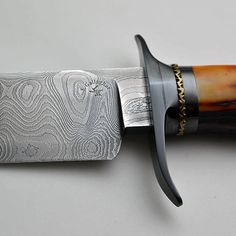 It's all about the details! Like this #ExquisiteKnife from #ScottGallagher!