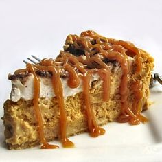The Other Side of Fifty: Pumpkin Toffee Cheesecake (Treats For Co-Irkers) Think this will be Thanksgiving dessert this year,,, Pumpkin Recipes, Fall Recipes, Sweet Recipes, Healthy Recipes, Pumpkin Cheesecake Recipes, Cheesecake Desserts, Quick Recipes, Yummy Treats, Sweet Treats