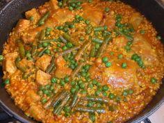 Arroz con secreto ibérico y pollo Ver receta: http://www.mis-recetas.org/recetas/show/40161-arroz-con-secreto-iberico-y-pollo