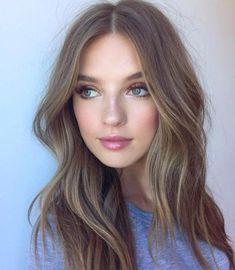Long Wavy Ash-Brown Balayage - 20 Light Brown Hair Color Ideas for Your New Look - The Trending Hairstyle Brown Hair Shades, Light Brown Hair, Brown Hair Colors, Dark Brown, Dark Ash, Brown Hair For Pale Skin, Thin Hair Haircuts, Cool Haircuts, Cool Hairstyles