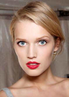 Statement lips at Dior spring/summer 2012 / La bouche pop coquelicot vue au défilé printemps-été 2012 de Dior