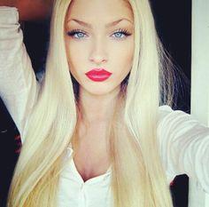 Blonde hair, simple eye makeup, red lips----> Want more? Follow me at http://www.pinterest.com/TruckSchoolInfo/