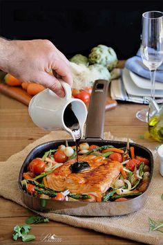 Salmón noruego con verduras y salsa de miel