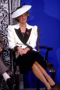 Image detail for -WASHINGTON DC- NOVEMBER 10: Diana Princess of Wales at the National Gallery of Art on November 10, 1985 in Washington DC, USA. Diana wore a dress designed by Catherine Walker with a hat by Frederick Fox.