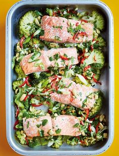 All-in-One Steam-roasted Salmon & Broccoli with Lime, Ginger, Garlic & Chilli - The Happy Foodie Broccoli Recipes, Fish Recipes, Seafood Recipes, Dinner Recipes, Cooking Recipes, Healthy Recipes, Cooking Time, Chilli Recipes, Tray Bake Recipes