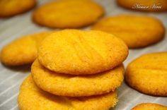 Biscuiti  perfecti de casa care se prepara relativ usor si sunt foarte buni.Reteta biscuiti de casa se prepara Hamburger, Biscuits, Ale, Bread, Cookies, Desserts, Food, Crack Crackers, Crack Crackers