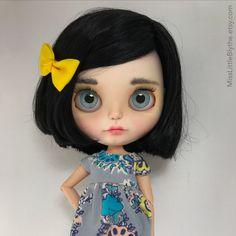 Un preferito personale dal mio negozio Etsy https://www.etsy.com/it/listing/592252546/ooak-custom-blythe-doll-fake-luisa