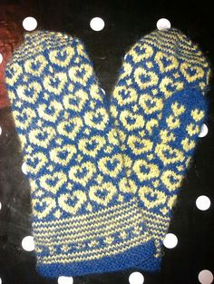 Heart mittens - My work - Made by Lotta Blad