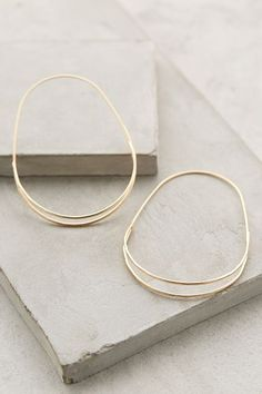 Anthropologie Wedge Hoops I hate gold, but I like these Jewelry Box, Jewelry Accessories, Fashion Accessories, Fashion Jewelry, Jewelry Making, Jewlery, Amber Jewelry, Wedding Jewelry, Jewelry Sketch