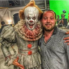 Picture of Bill Skarsgard as #Pennywise on the shooting of @ItmovieOfficial v @StephenKingFr #StephenKing #movie #horror #film #ItMovie #billskarsgard #clown #pennywise